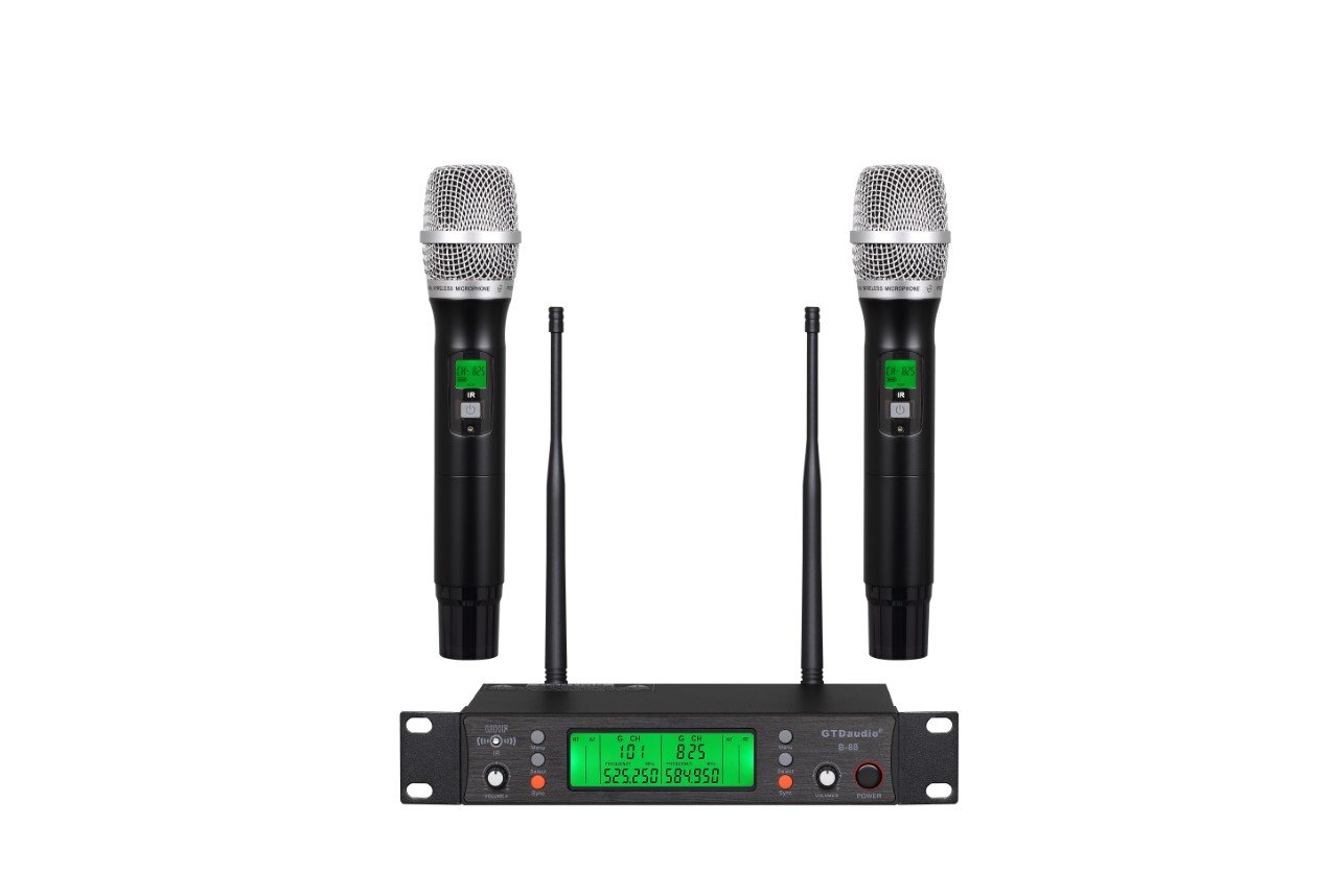 Audio 2000s Selectable 16 UHF Frequency with Rechargeable Wirelss Microphone